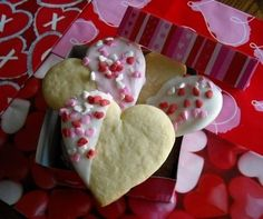 Mommy's Kitchen: Vanilla Dipped Sugar Cookie Heart's