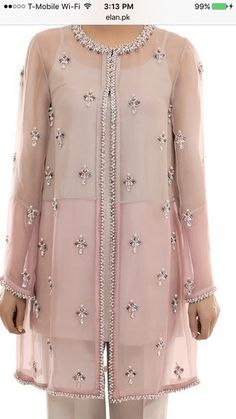 Embroidery dress sequin Ideas for 2019 Couture Embroidery, Embroidery Fashion, Embroidery Dress, Kurta Designs, Blouse Designs, Pakistani Dresses, Indian Dresses, Casual Dresses, Fashion Dresses