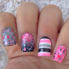 ♥ I love nails that are beautifully designed like these for example !!!  It's nice to have nails,... just a way to make you feel like a lady that is interested in taking care of herself !!