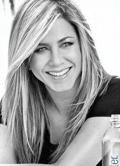 Jennifer Aniston - One of the most beautiful hollywood actress for me. Her beauty never tarnish. ♥ Like my pins? Pls share and visit my celebrity site at www.celebritysize... ♥ #celebritysizes #jenniferaniston #friends