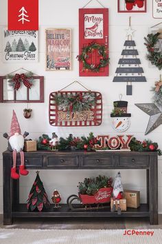 Unique Christmas Wall Art Decor Ideas To Try 44 Christmas Entryway, Christmas Wall Art, Farmhouse Christmas Decor, Rustic Christmas, Christmas Projects, Winter Christmas, Christmas Home, Vintage Christmas, Christmas Ideas