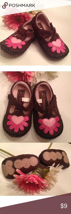 """💕Comfy cutie shoes by genuine baby  Sz 4 💕 """"Genuine baby """" shoes Mary Jane  similar to suede material Brown and pink with heart design on top Like new excellent condition Shoes"""