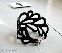 Bike inner tube jewelry by Nouseva Myrsky