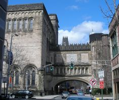 Historic Buildings of Connecticut's fiftieth entry for New Haven is the old Yale University Art Gallery building, designed by Egerton Swartwout a Yale graduate, in a Gothic style called ̶… New Haven Yale, Connecticut Usa, Garden Images, Victorian Homes, Art And Architecture, East Hanover, Art Gallery, Old Things, University