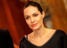 Angelina Jolie já pensou em disputar uma eleição, mas acredita que não seria levada a sério http://angorussia.com/?p=18912