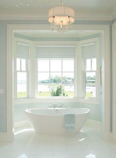 11 Waterfront Living Bathroom