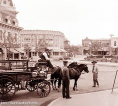 Daveland Disneyland Town Square Photos
