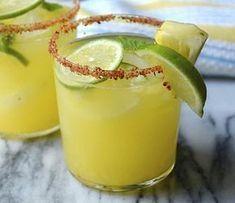 Mojito Ananas au thermomix. Voici une recette de cocktail Mojito à l'ananas, simple et facile à réaliser chez vous avec le thermomix.