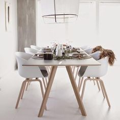 Hay - Copenhague rectangular tables – design R. Dining Room Table, Table And Chairs, Dining Area, Hay Design, Sweet Home Alabama, Charles Eames, Scandinavian Kitchen, Modern Kitchen Design, Living Room Kitchen