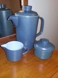 Crown Lynn Coffee Pot Set - what a glorious colour