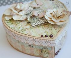 ** Valentine's Day Altered Box @weeklyscrapper