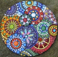 Mosaic art, examples for inspiration Let's see the beautiful work of ceramic tiles. Whether it is a new collection of ceramic tiles or old, useless waste of previous repair, be it just pebbles from the beach, where you were last summer, everything will fit into the case. The possibilities are unlimited. It all depends on your imagination and taste. And a little bit of patience and time. So, take the hands of a bucket of cement and a box of old and unwanted materials for the job.