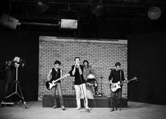 Os Replicantes gravando clip na TVE. Fotógrafo desconhecido. Foto de Rochelle Costi. 1984.