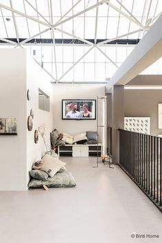 Vtwonen en designbeurs 2015 | Het vtwonen huis • Binti Home Blog | Interieur & lifestyle blog vol stylingtips, DIY's en inspiratie Old Factory, Industrial Chic, Future House, Nook, Repurposed, Diys, Divider, Lifestyle, Space