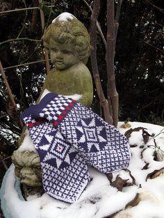 Ravelry: Grolse Wanten - Groenlo mittens (traditional Dutch mittens) pattern by Carla Meijsen (The Dutch Knitters)