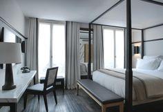 Firmati da Dorothée Boissier e Patrick Gilles gli interni e i mobili che arredano le 50 camere del prestigioso The Chess Hotel di Parigi. A terra un caldo parquet in legno di quercia