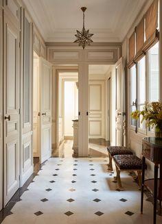 Black and white tile flooring This Paris Apartment Will Make You Swoon- design addict mom Paris Apartment Interiors, French Apartment, Dream Apartment, Vintage Apartment, Parisian Bedroom Decor, Vintage Paris Bedroom, Modern French Decor, Modern French Interiors, Houses Architecture