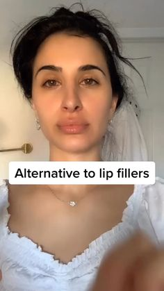 Self Massage is powerful . 💪 - Care - Skin care , beauty ideas and skin care tips Beauty Tips For Glowing Skin, Beauty Skin, Hair Beauty, Face Gym, Face Massage, Massage Tips, Self Massage, Yoga Facial, Beauty Hacks Lips