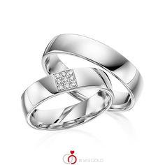 Paar Trauringe/Eheringe von acredo in Weißgold 585/- Oberfläche: poliert mit zus. 0,072 ct. Brillant tw, si (Produkt 1 mit Steinbesatz, Produkt 2 ohne Steinbesatz) #acredo #123gold #trauringe #eheringe #partnerringe #freundschaftsringe #hochzeit #gold #weißgold #14k #585 #poliert #struktur #diamant 1 2 3 Gold, Platinum Wedding Rings, Engagement Rings, Jewelry, Wedding Band Rings, Diamond, Classic Wedding Rings, Enagement Rings, Wedding Rings