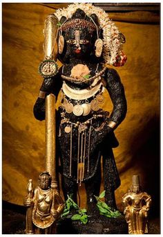 jpgMadhwacharyaru installed Sri Krishna temple at Udupi and established ashta mutts, The pontiffs who will do pooja for krishna in rotation cycle Krishna Lila, Little Krishna, Jai Shree Krishna, Krishna Radha, Shri Hanuman, Lord Krishna Images, Krishna Photos, Krishna Statue, Lord Krishna Wallpapers