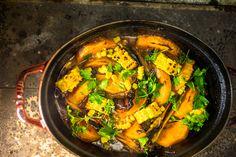 dýňové chilli con carne Russian Recipes, Thai Red Curry, Pumpkin, Tofu, Ethnic Recipes, Polish, Chili Con Carne, Pumpkins, Vitreous Enamel