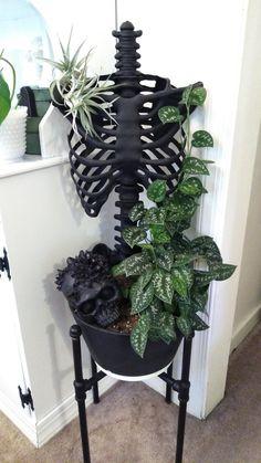 Goth Home Decor, Diy Home Decor, Creepy Home Decor, Spooky Decor, Halloween Diy, Halloween Decorations, Women Halloween, Halloween Nails, Fall Decor