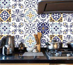 - Os Adesivos para Azulejo foram desenvolvidos para que você possa decorar sua cozinha, banheiro ou outro ambiente de forma simples e rápida. - Pode escolher o kit com 20 unidades 15x15cm ou 12 unidades 20x20cm já cortados. - Produto autoadesivo, ...