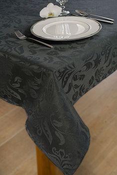 Een tafelkleed voor iedere gelegenheid! KOOK heeft een prachtig assortiment aan tafelkleden in verschillende maten en kleuren. De kleden liggenstrak op tafel en zijn strijkvrij.