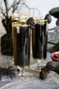 Blackberry Rum Cocktail - The Raven | Although the perfect spooky drink for Halloween, consider serving it any time you want to impress your guests with something out of the ordinary! | #cocktails #alcoholicbeverages #drinkrecipes | TheSeasideBaker.com