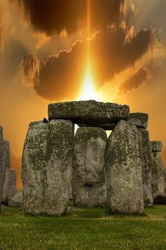 Spend summer Solstice at Stonehenge. Sunset Stonehenge by on Beautiful Sunset, Beautiful World, Beautiful Places, Beautiful Pictures, Belle Photo, Wonders Of The World, Scenery, Backgrounds, England