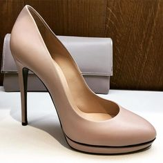 Nude pumps are a timeless staple  #shoes #shoeporn @casadeiofficial #shopping #heels #classy #style #fashion #cocoetlavieenrose http://ift.tt/2i3vHZq - http://ift.tt/1HQJd81