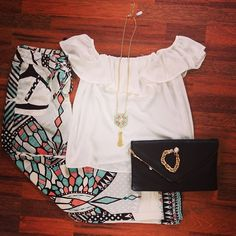 Romance Era Top (only 1 MD & 1 LG left) - Butterfly Garden #palazzo Pants - You've Got Mail Clutch - Royal Medallion Necklace - Cotton Ball Bracelet... Together the perfect outfit! Southernswankboutique.com #instafashion #instastyle #wiw #ootd #trending