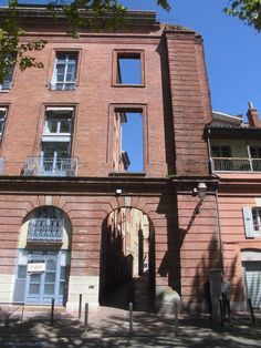 Rue Etroite_Toulouse (France)_2014-04-15