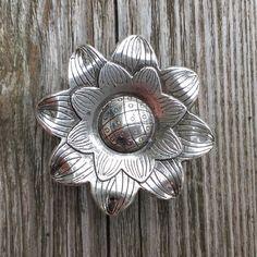 Flower Drawer Knob - Cabinet Knob in Silver Metal (MK158) by DaRosa on Etsy