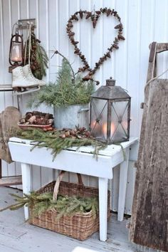 Welcoming And Cozy Christmas Entryway Decor Ideas Christmas Entryway, Christmas Porch, Primitive Christmas, Outdoor Christmas, Country Christmas, Winter Christmas, Vintage Christmas, Xmas, Christmas Vignette