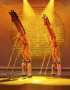 Coal City High School production of 'The Lion King' using fabrics from Textile Discount Outlet! Lion King Play, Lion King Jr, Safari Theme, Jungle Safari, Lion King Broadway, The Lion King Musical, Lion King Costume, Giraffe Costume, Carnival Of The Animals