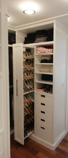 The pull out shoe door closet to save space and find shoes easily.