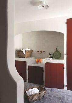 Une cuisine provençale entre nature et épure. Plus de photos sur Côté Maison http://petitlien.fr/7rot