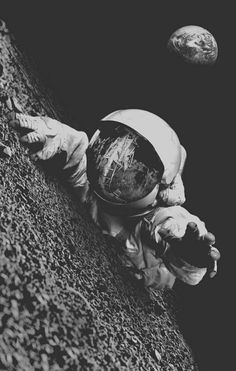 Desolate Astronaut by Renzii Supreme Wallpaper, Wallpaper S, Laptop Wallpaper, Astronaut Wallpaper, Lost In Space, Background S, Outer Space, Belle Photo, Oeuvre D'art