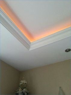 24 Beautiful Gallery Of Indirect Lighting Drywall, Indirect Lighting Tr ...  #beautiful #drywall #gallery #indirect #lighting Simple Ceiling Design, House Ceiling Design, Ceiling Design Living Room, Bedroom False Ceiling Design, Home Ceiling, Bedroom Ceiling, Interior Design Living Room, Living Room Designs, House Design