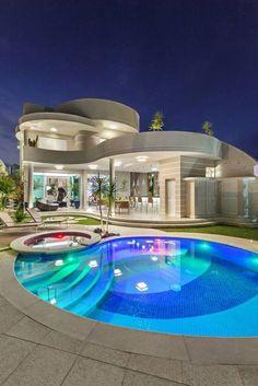 Luxury Swimming Pools, Luxury Pools, Swimming Pool Designs, Dream Home Design, Modern House Design, Contemporary Design, Villa Design, Beautiful Home Designs, Beautiful Homes