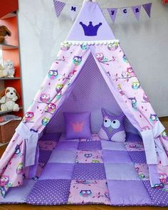 Image may contain: 1 person, indoor Diy Tipi, Baby Crafts, Diy And Crafts, Diy For Kids, Crafts For Kids, Cool Kids Rooms, Kids Tents, Slumber Parties, Diy Bed