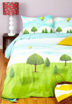 Floating Off to Sleep Duvet Cover Set in Queen. Theres no need for counting sheep when you can snuggle underneath this printed duvet cover! Cute Bedding, Cute Pillows, Bedding Sets, Retro Home Decor, Vintage Decor, Retro Vintage, Bed Covers, Duvet Cover Sets, Retro Bed