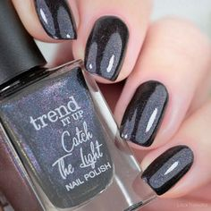 trend it up Trend It Up, Light Skin, Nail Polish Colors, Natural Nails, Color Trends, Swatch, Manicure, Make Up, Fall
