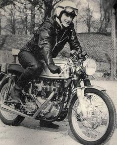 Historic Photos of Cafe Racers photo discovery-hd-theater-cafe-racer-caferacer-tv-vintage-motorcycles-ace-cafe-london-rockers-59club-norton-triumph-triton-honda-historic-phot-29.jpg