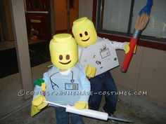These LEGO Minifigures homemade Halloween costumes were our boys costumes last year. They love the Lego Minifigures so they both wanted to be their. Lego Halloween, Homemade Halloween Costumes, Halloween Costume Contest, Holidays Halloween, Halloween Themes, Halloween 2014, Halloween Outfits, Halloween Stuff, Halloween Crafts