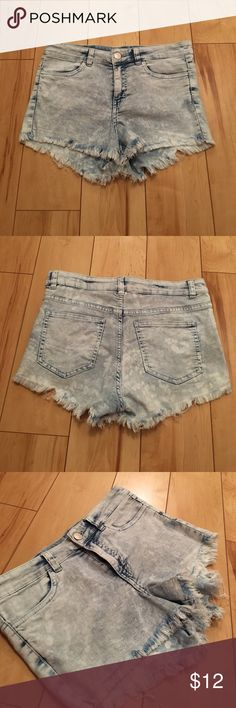 H&M Washed Out Shorts! I love these shorts, however I do not fit in them anymore. In perfect condition! Button is silver and they are a washed out more faded designed shorts. Run small H&M Shorts Jean Shorts