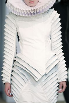 Gareth Pugh - interesting artsy design ...yes to dress, no to Elizabethan circle around neck, though