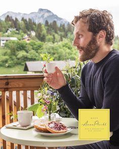 Den morgendlichen Kaffee ☕️ und das Marmelade-Semmerl kann man bei uns auch auf dem Balkon einnehmen 😍 jedes Zimmer hat einen eigenen Balkon 🤩 wir haben wieder offen! 🤩 keine Stornogebühren und Preisstabilität! 👉 Wir freuen uns auf euch 😘 🤩 Urlaub in Österreich, immer eine Reise wert! 😘😘 Zimmerbuchungen bitte direkt unter: www.hausannaplochl.at 😘 💚 . . Bed & Breakfast Bad Aussee. ❤️ stay tuned & subscribe our newsletter ♡ www.hausannaplochl.at . . Foto: @mkronfuss… Bed & Breakfast, Bad, Engagement Rings, Marmalade, You're Welcome, Balcony, Voyage, Enagement Rings, Wedding Rings