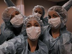 Nursing School Motivation, Nursing Goals, Nurse Aesthetic, Aesthetic Doctor, Female Surgeon, Fille Gangsta, My Future Job, Medical Wallpaper, Medicine Student